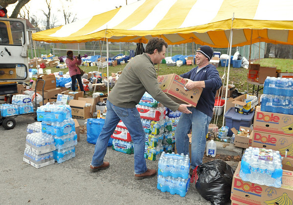 Downers Grove collects tornado relief