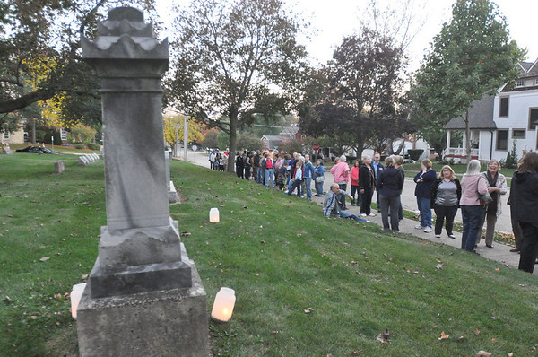 Tales Tombstones Tell in West Chicago